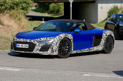 Audi R8 Spyder restyling, le foto spia (6)