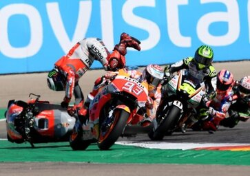 MotoGP 2018. Lorenzo: Sono caduto per colpa di Marquez