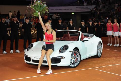 Maria Sharapova positiva al doping: sospesi i contratti, anche con Porsche