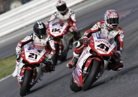 Il Team Ducati ha finito i test in pista con Haga, Fabrizio e Bayliss