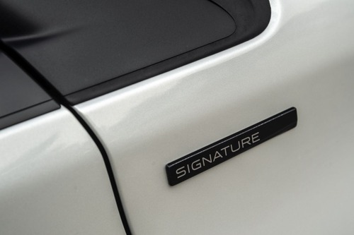Peugeot 208 Signature, 1.200 esemplari per l'Italia (6)