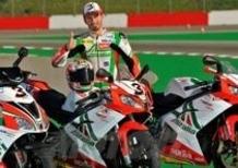 Aprilia presenta la gamma Replica Superbike Alitalia