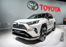 Toyota RAV4 Hybrid al Salone di Parigi 2018 [Video]
