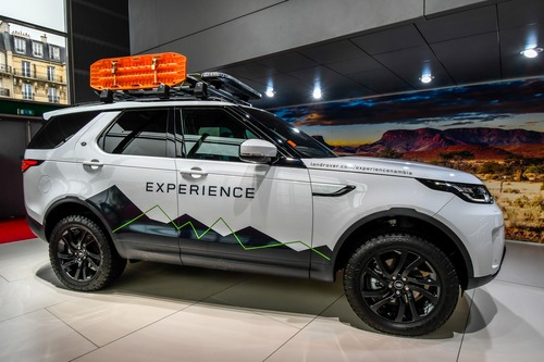Land Rover al Salone di Parigi 2018 (2)