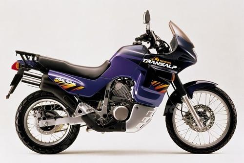 Il modello '96 sarà l'ultimo costruito in Giappone, e, purtroppo, il primo a montare una gomma posteriore più stretta