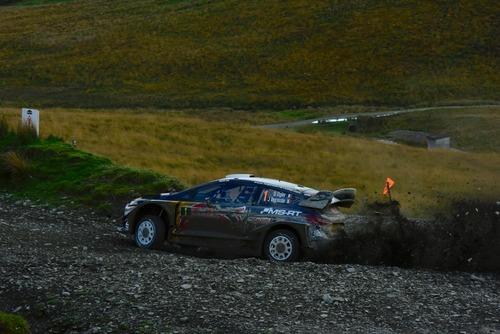 WRC18 Galles. Intrattabile Ogier (Ford), e fanno 5 (6)