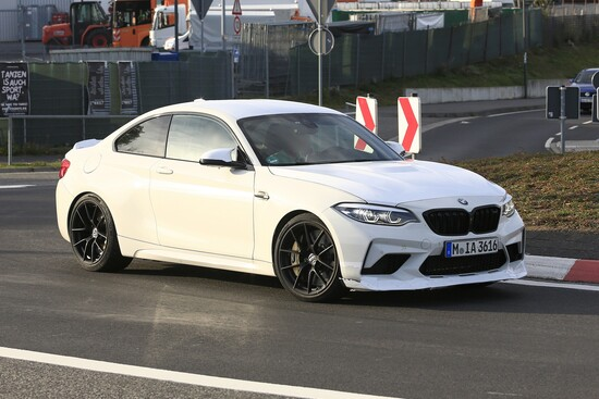 La BMW M2 CS in foto spia