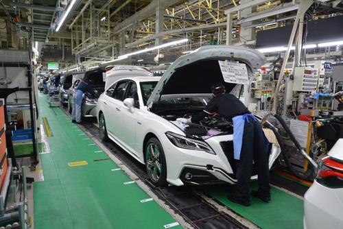 Auto ibride, Manutenzione: con Hybrid Service Toyota la garanzia è decennale (2)