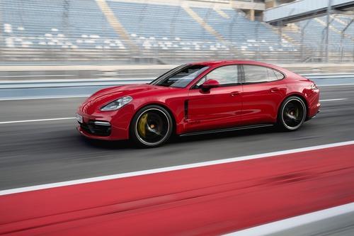 Porsche Panamera, arrivano le versioni GTS