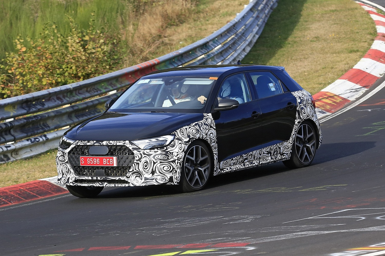 Audi A1 Allroad, avvistata al Nürburgring [Foto spia]