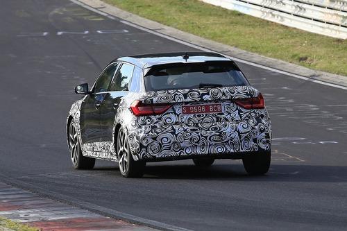 Audi A1 Allroad, avvistata al Nürburgring [Foto spia] (5)