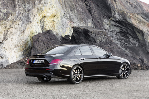 Mercedes-AMG E 43 4MATIC: la berlina da 401 CV (2)