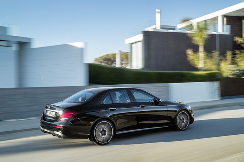 Mercedes-AMG E 43 4MATIC: la berlina da 401 CV (9)