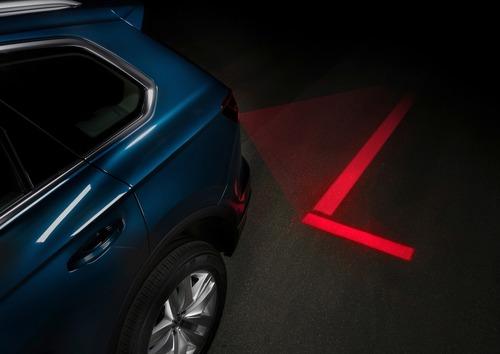 Volkswagen, Illuminazione: il futuro di gruppi ottici e segnalazioni visive dell'auto è già qui (8)