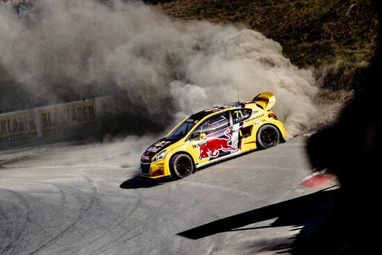 Kevin Hansen in azione con Peugeot nel WRX