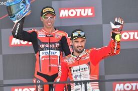 Marco Melandri e Xavier Fores sul podio in Argentina