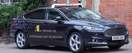 Auto a nolo, con il conducente passivo e la guida autonoma sono attese a Londra