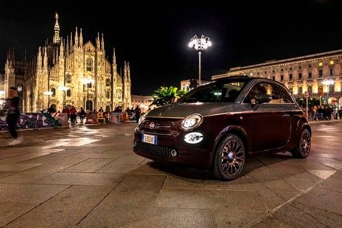 Nuova Fiat 500 Collezione, la cabrio che sfila a Milano Duomo [video] (6)