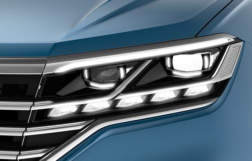 VW, Illuminazione: nuovi gruppi ottici e segnalazioni visive dell'auto [Parte 2 - Video] (4)