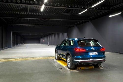 VW, Illuminazione: nuovi gruppi ottici e segnalazioni visive dell'auto [Parte 2 - Video] (3)