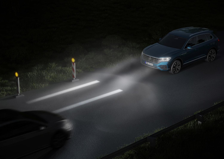 VW, Illuminazione: nuovi gruppi ottici e segnalazioni visive dell'auto [Parte 2 - Video]