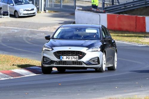 Ford Focus ST, avvistata ancora [Foto Spia]