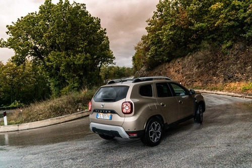 Nuovo Dacia Duster 2018 GPL: il N°1 dei SUV è gasato, ma con i piedi per terra [video] (2)