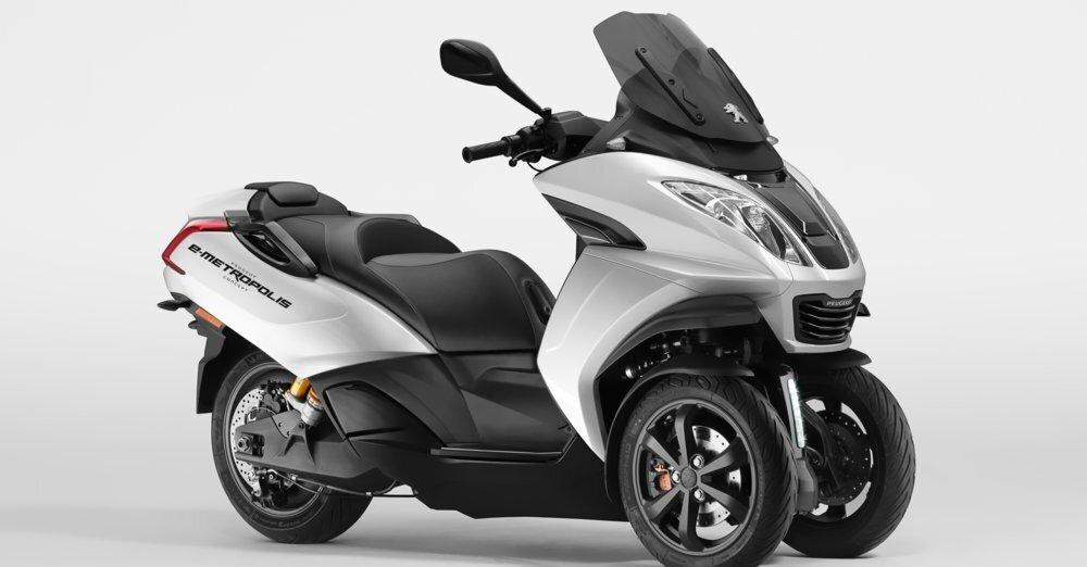 Peugeot concept e-Metropolis, uno scooter 3 ruote per i 120 anni del marchio