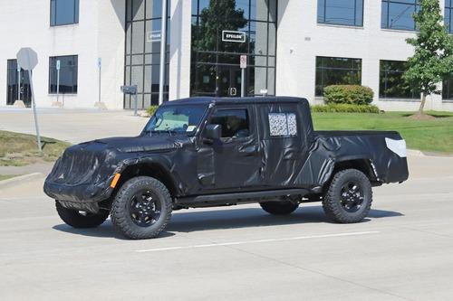 Jeep Gladiator: si chiama così il nuovo pick up? (5)