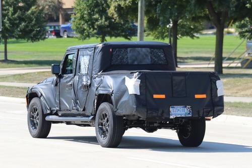 Jeep Gladiator: si chiama così il nuovo pick up? (7)