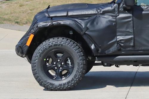 Jeep Gladiator: si chiama così il nuovo pick up? (8)