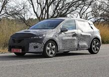 Nuova Renault Clio, avvistata ancora su strada [Foto spia]