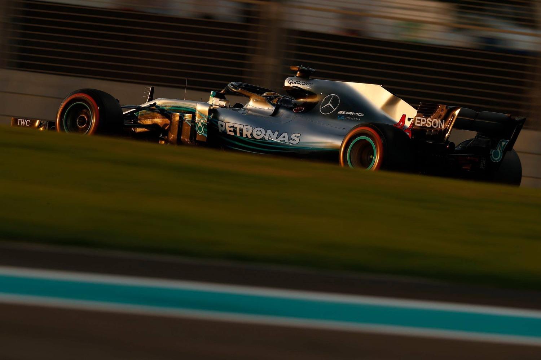 F1, GP Abu Dhabi 2018: pole per Hamilton. Terzo Vettel