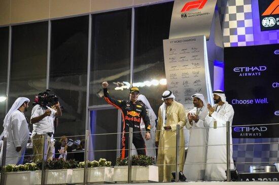 Prestazione impetuosa per Verstappen nel GP che ha chiuso la stagione 2018
