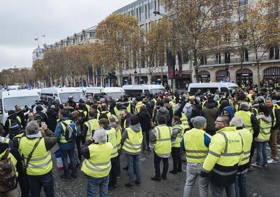 Gilet gialli: la protesta arriva in Italia. Verso manifestazione nazionale
