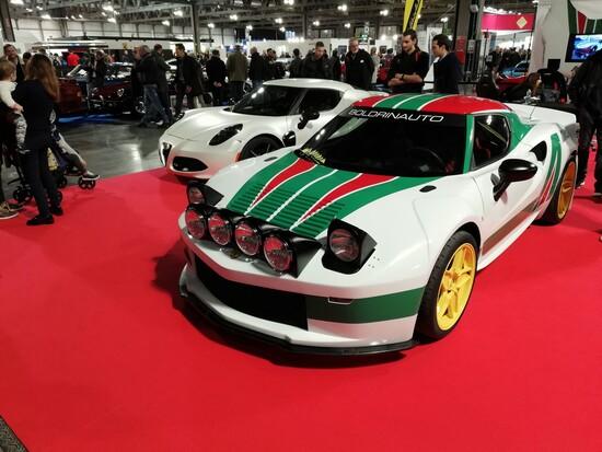 La Stratosferica insieme all'Alfa Romeo 4C