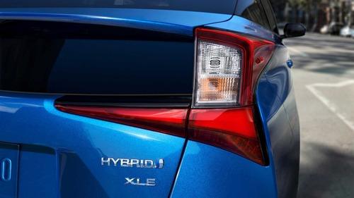 Toyota Prius, trazione integrale al Salone di Los Angeles (4)