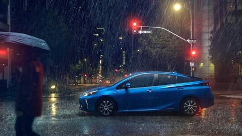 Toyota Prius, trazione integrale al Salone di Los Angeles (3)