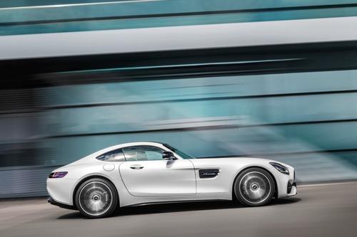 Mercedes-AMG GT: restyling per tutta la gamma al Salone di Los Angeles (8)