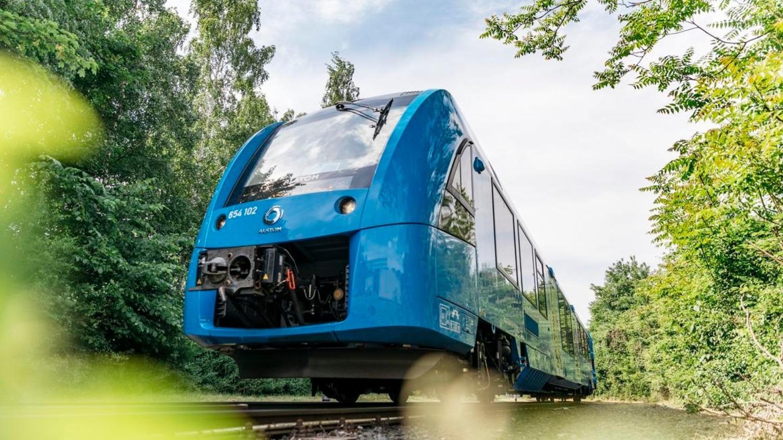 Idrogeno al posto del gasolio nei serbatoi: auto per ora no, ma treno si