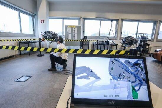 La Realtà Virtuale del Training BMW, permette di conoscere parti dei sistemi auto complessi senza smontarli davvero