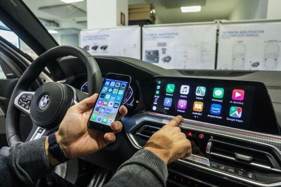 Il personale BMW deve conoscere a fondo Infotainment che si aggiornano costantemente