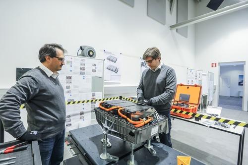 Formazione tecnica BMW: come aumenta la competenza del personale nelle concessionarie (6)