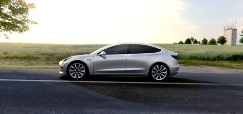Tesla Model 3, in Italia costa 59.600 euro (2)