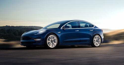 Tesla Model 3, in Italia costa 59.600 euro (4)