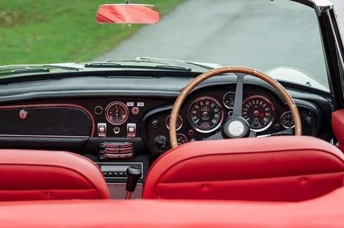 Aston Martin storiche diventano elettriche con il Kit dedicato, reversibile: sacrilegio o furbata? (4)