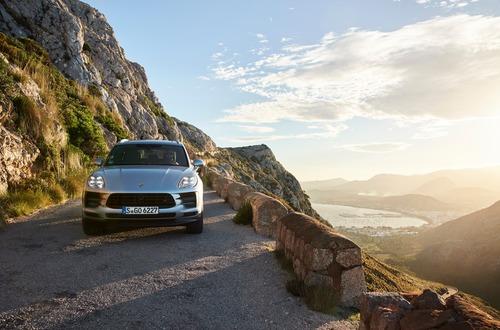 Porsche Macan S, si amplia la gamma del restyling (2)