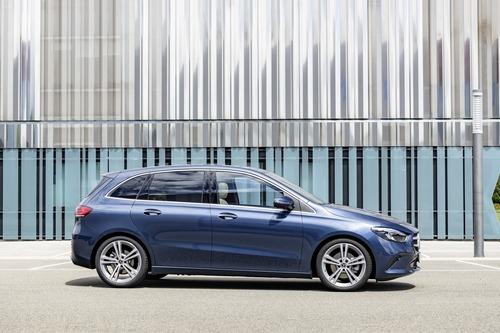 Mercedes Classe B, i prezzi: si parte da 27.140 euro (9)