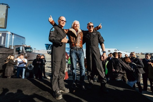 Virgin Galactic: il volo di SpaceShipTwo apre le porte al turismo spaziale (4)