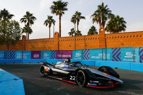 Formula E, ePrix di Ad Diriyah: pole per Da Costa (9)